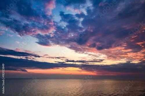 Spoed Foto op Canvas Zee zonsondergang Calm sea and beautiful sunset in summer