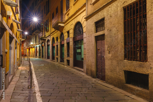 typical-italian-medieval-street-at-night-in-the-centre-of-the-old-town-of-milan-lombardia-italy