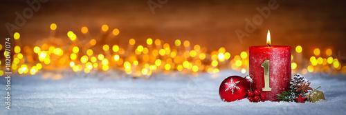 Erster Advent schnee panorama Kerze mit Zahl dekoriert weihnachten Aventszeit ho Fototapete