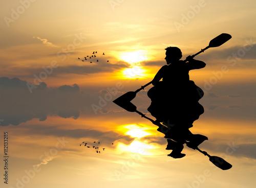 Fotografie, Obraz  man with a kayak at sunset