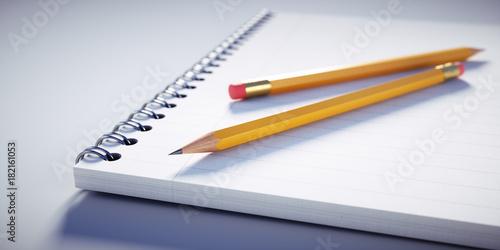 Foto Bleistifte auf Notizblock