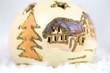 Weihnachten, Weihnachtliche Kugel im Schnee, Schneekugel, Studioaufnahme