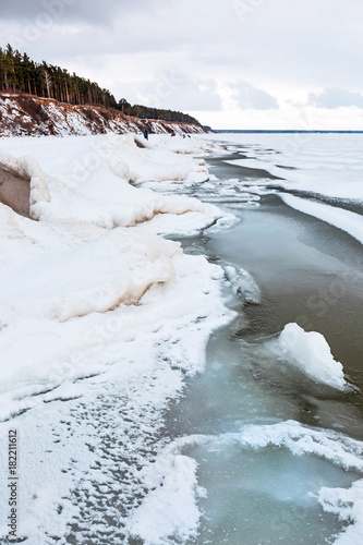 Papiers peints Cappuccino Winter ice landscape on the river. The Ob River, Siberia