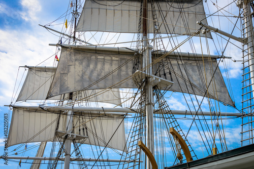 Fotografie, Obraz Bark Foremast and Mainmast With Sails Unfurled