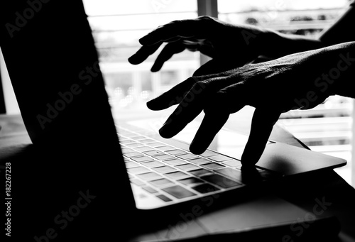 Afbeeldingsresultaat voor Internet crime and electronic banking security