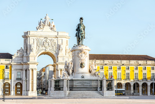 Morning view on the Commerce square with statue fo king Joseph and Triumphal arc Canvas Print