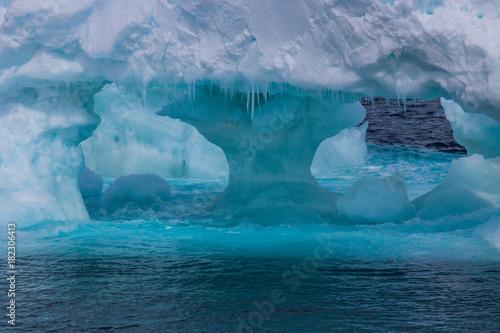 Foto auf Gartenposter Antarktika Close-up Ice berg