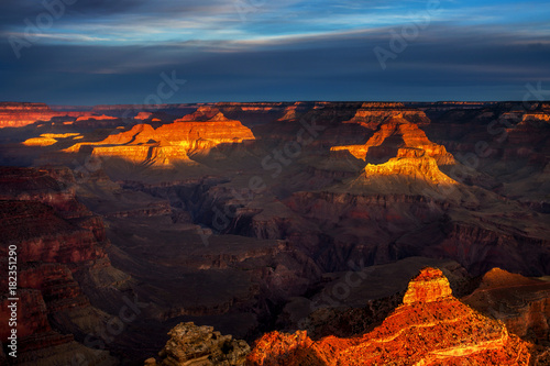 Shadows and light at dawn at the Yaki Point overlook on the South Rim of the Grand Canyon