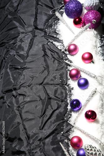 Christbaumkugeln Violett.Lila Und Rosa Christbaumkugeln Buy This Stock Photo And