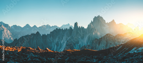 Photo sur Aluminium Bleu vert Dolomites Alps rocky mountain range at Tre Cime Di Lavaredo