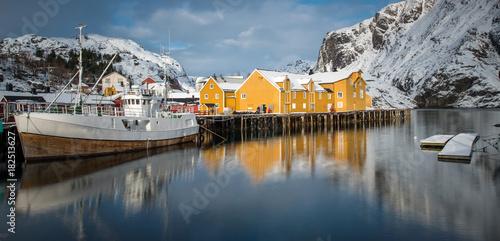 Papiers peints Arctique Fisherman's village, Lofoten