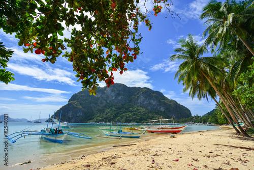 seascape-z-coron-island-filipiny