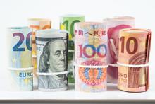 Currencies And Money Exchange ...