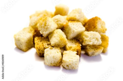Fotomural crouton croutons croûton croûtons isoliert freigestellt auf weißen Hintergrund,