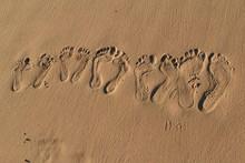 Footprints On The Beach, Fuert...