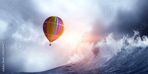 Fényképezés  Air balloon in storm