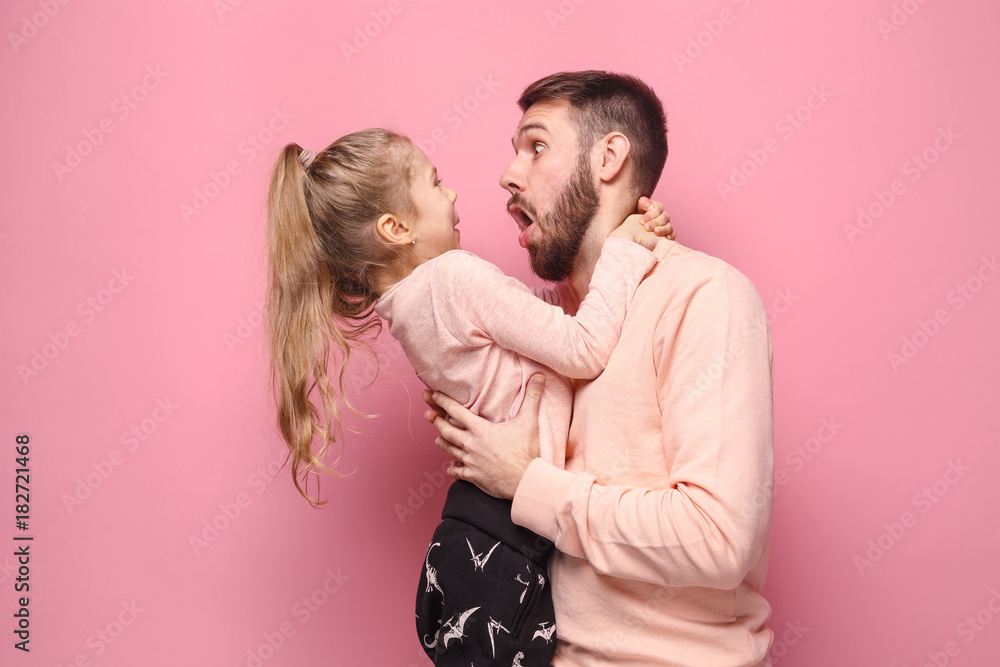 Fototapety, obrazy: Young father with his baby daughter