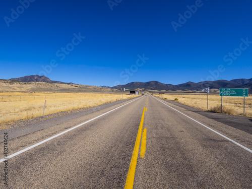 Keuken foto achterwand Route 66 Beautiful country road in Utah