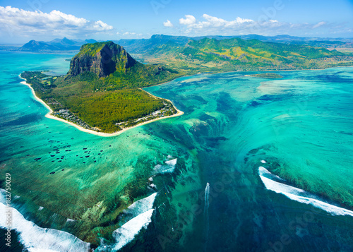Photo sur Aluminium Vue aerienne Aerial view of Mauritius island