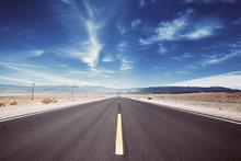Death Valley Desert Road, Trav...