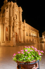 Ortigia By Night: Perspective ...