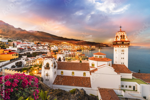 Fotografia  View of Candelaria town in Tenerife, Canary Islands, Spain