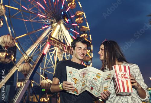 Poster Amusementspark A group of friends is enjoying the amusement park