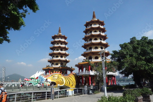Papiers peints Con. ancienne Taiwan Kaohsiung Dragon Tiger Pagoda