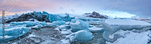 Poster Glaciers Top of glacier floes with sunny sky, Iceland