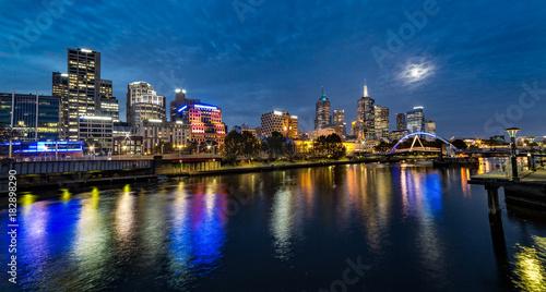 Fototapety, obrazy: Moon over Melbourne