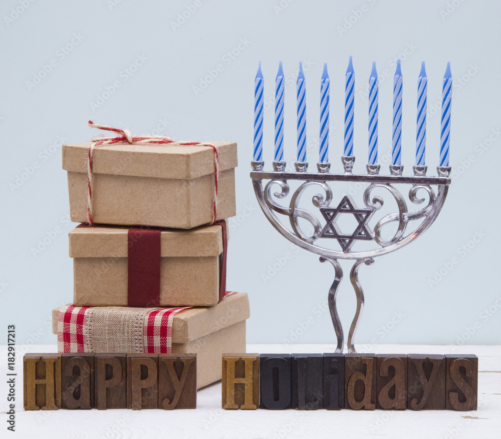 Photo  Minimalistic Holiday Scene with a Blue Background on a Distressed Wooden Table