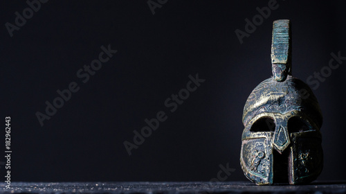 Fotografija roman helmet on a black background