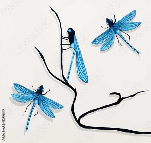 Ingelijste posters Surrealisme Three Dragonflies