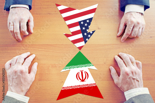 Fotografía  Concept of confrontation between Iran and United States