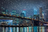 Fototapeta Nowy York - Snowing in New York