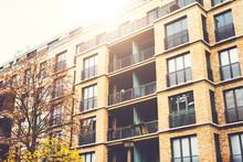 Very Modern Brick Apartment Bu...