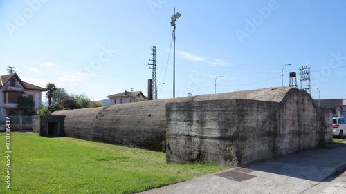 Cuadros en Lienzo Refugio antiaéreo de la Guerra Civil Española de la fábrica de Astra en Guernica