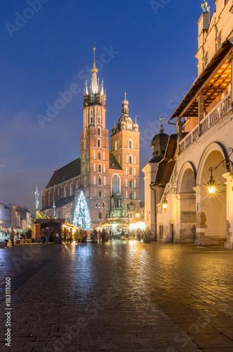Foto op Canvas Krakau Christmas tree, St Mary's church, Cloth Hall on Main Market Square in Krakow, illuminated in the night