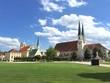 Wallfahrtsstätte Altötting, Bayern, Deutschland : Blick über den Kapellplatz zur Gnadenkapelle und zur Stiftskirche.