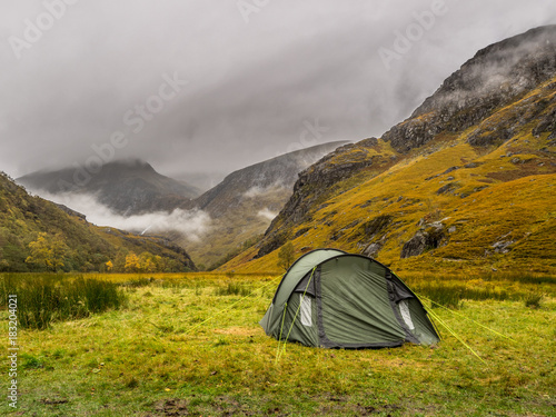Photo  tent in the scottish highlands