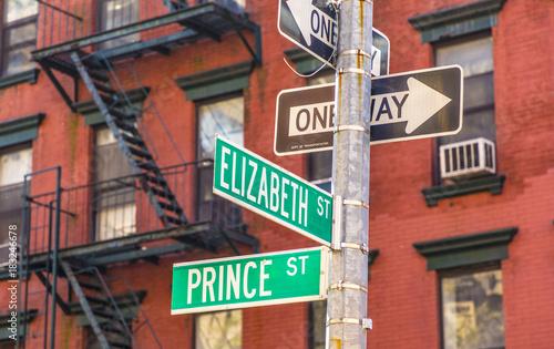 Fototapeta street sign prince and Elizabeth street obraz