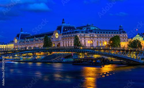 Night view of Orsay Museum (Musee d'Orsay) in Paris, France Fototapet