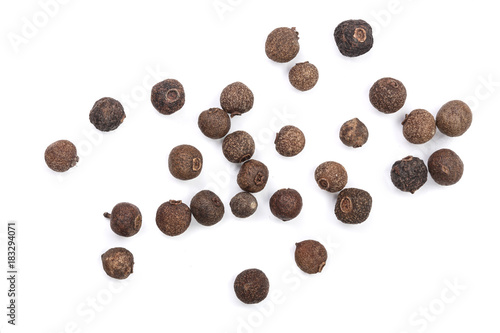 Fototapeta Allspices or Jamaica pepper isolated on white background. Top view obraz