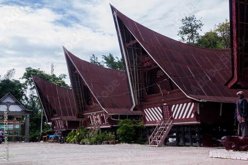 Photo Traditional Batak house on the Samosir island North Sumatra Indonesia
