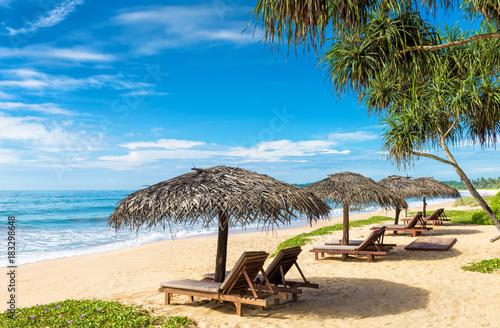 Foto op Plexiglas Indonesië Sunny tropical beach