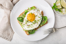 Toast With Avocado, Spinach An...