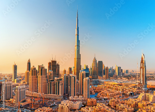 Foto op Aluminium Dubai DUBAI ,UNITED ARAB EMIRATES-FEBRUARY 18, 2017: Beautiful Dubai downtown at the sunset,Dubai,United Arab Emirates