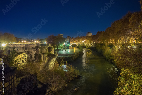 Photo  Rome (Italy) - The Tiber river and the monumental Lungotevere