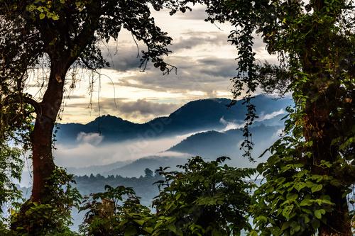 Valokuva Misty hills at sunset, Guatemala