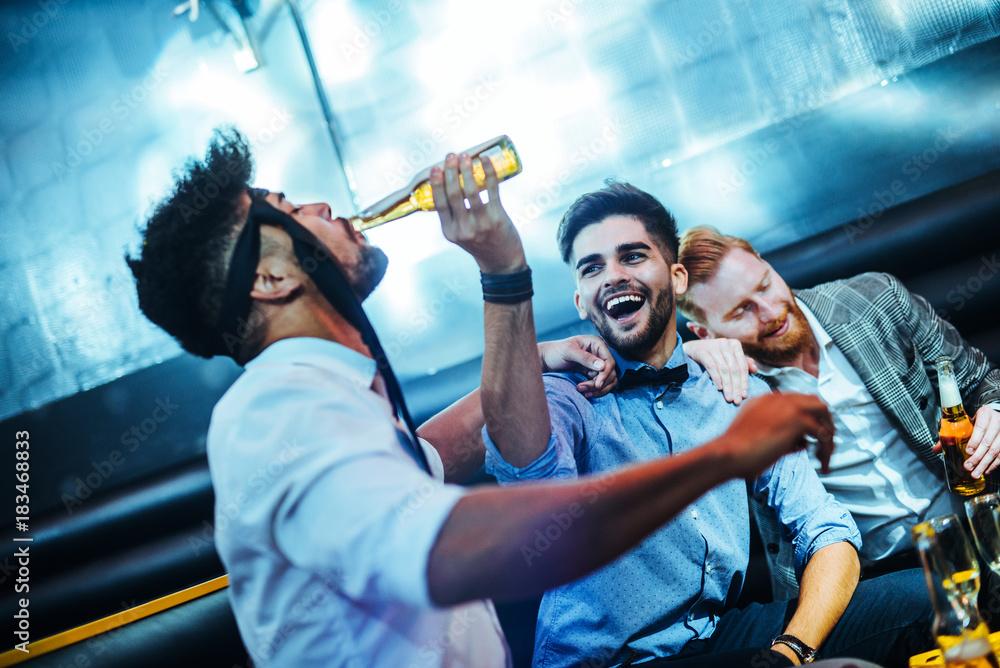 Fotografie, Obraz  It's always fun when they get together